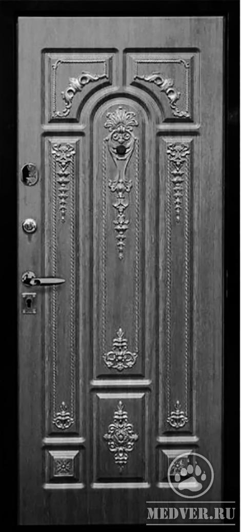 Входные двери в интерьере квартиры и частного дома: советы по выбору